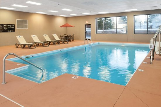 Hampton Inn St. Joseph I-94: Pool Close Up