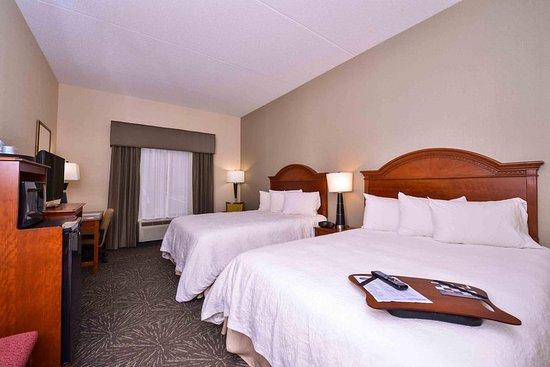 Lehighton, PA: Two Queen Bedroom