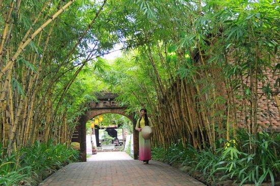 Quang Nam Province, Vietnam: bamboo entrance