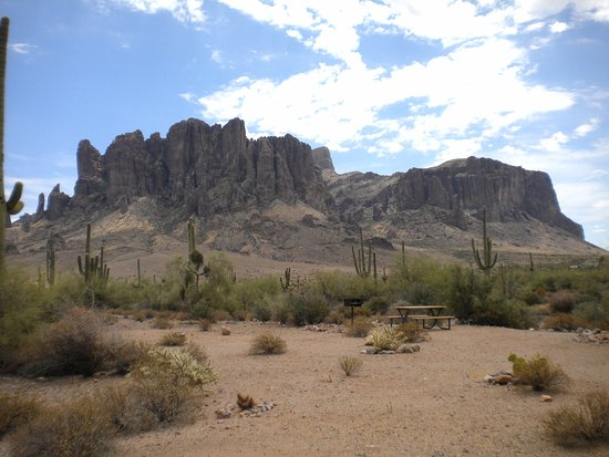 Apache Junction, AZ: into the Superstitions