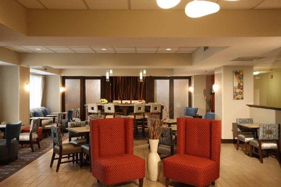 Pennsville, NJ: Hotel Lobby