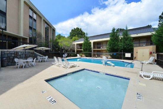 Hampton Inn Atlanta Marietta : Outdoor Pool