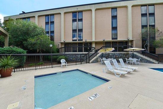Hampton Inn Atlanta Marietta : Whirlpool