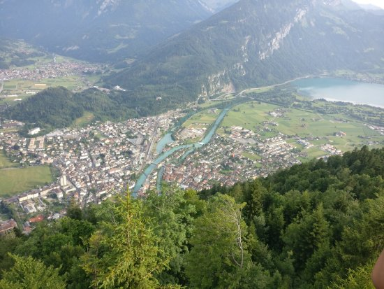 how to get to interlaken from bern