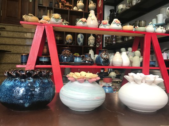 Authentic Bat Trang: Battrang ceramic - Handmade vase