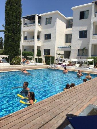 Tasmaria Hotel Apts.: Tasmaria apartments in Cyprus and Coral bay beach