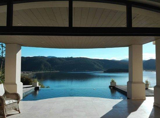 Foto de Lodge On The Lake & Wellness Spa
