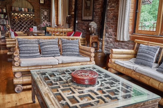 Yangshuo Mountain Retreat: bar and quiet dining