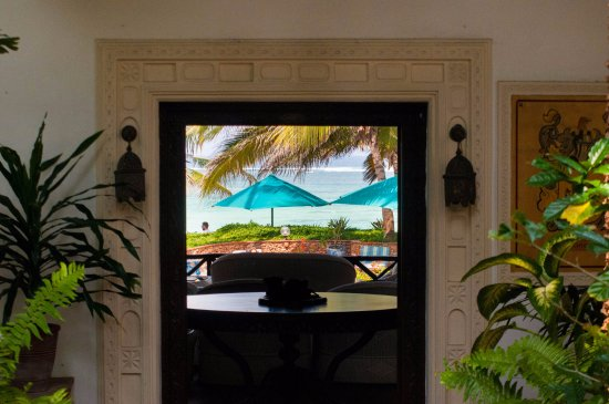 Diani Blue: Enticing view through to the beach