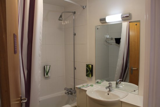 Bathroom picture of premier inn london euston hotel london tripadvisor Premiere bathroom design reviews