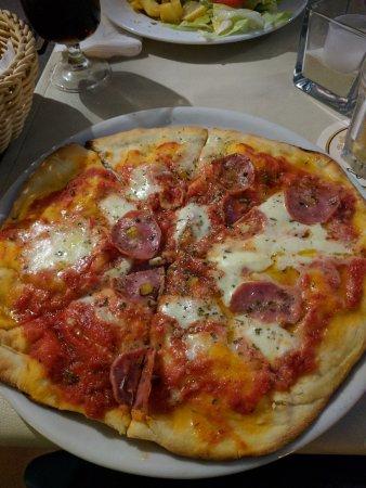 Café Sikelia: De pizza van mijn vriendin :)