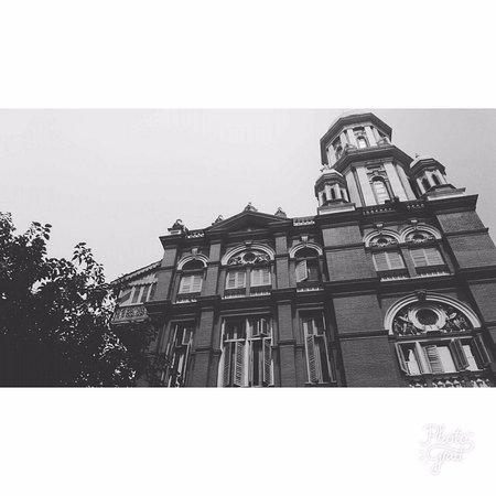 Calcutta photo tours black white