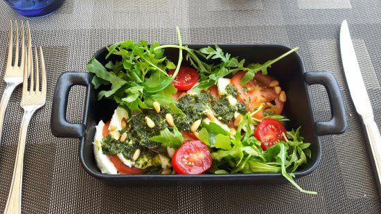 Waterfront Kitchen: Tomate Mozzarella