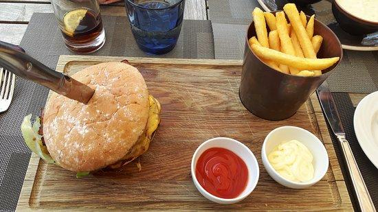 Waterfront Kitchen: Burger