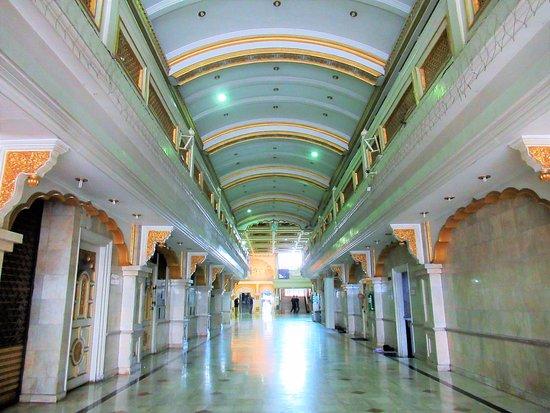 Gurudwara Siri Guru Singh Sabha (Sikh Temple)
