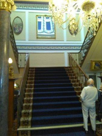 Pott Shrigley, UK: Main staircase
