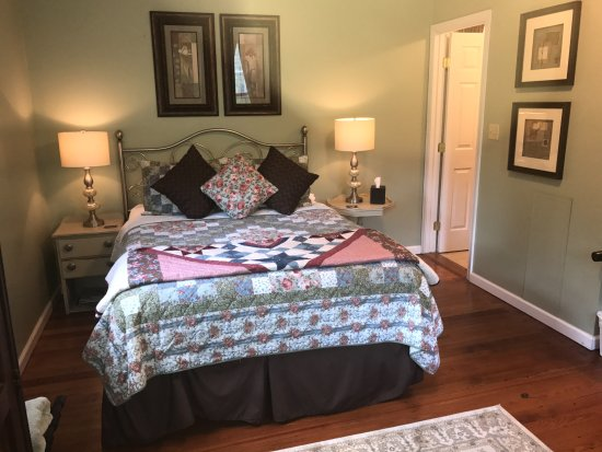 Lovingston Virginia Bed And Breakfast