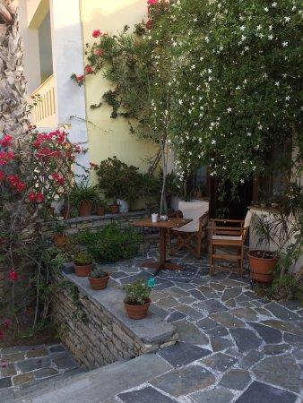 Noti Restaurant & Bar: Quelques photos de l'extérieur !