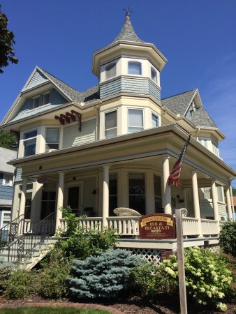 Franklin Street Inn Bed and Breakfast: The inn is one of many that are adjacent to a quiet city park - perfect for ambling