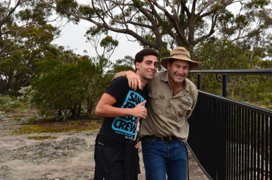 Lake Conjola, Australia: Me with the owner Mr Lindsay, an amazing bushman ;)