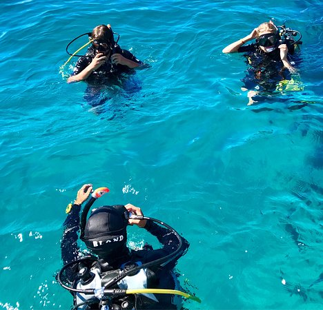 Evasioni blu diving isola delle femmine italy top tips before you go with photos tripadvisor - Video porno delle dive ...