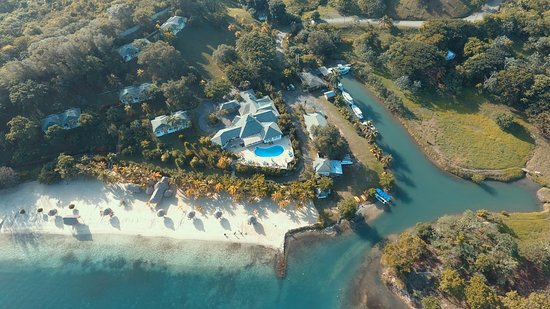 Turquoise Bay Dive & Beach Resort: View from 400 feet