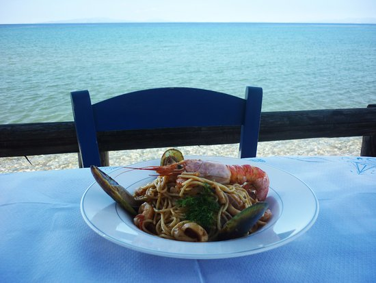 Anema by the Sea Guesthouse: Enjoy your meal at our seaside tavern
