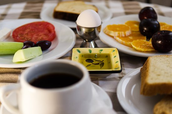 Anema by the Sea Guesthouse: Greek Breakfast waiting for you every morning