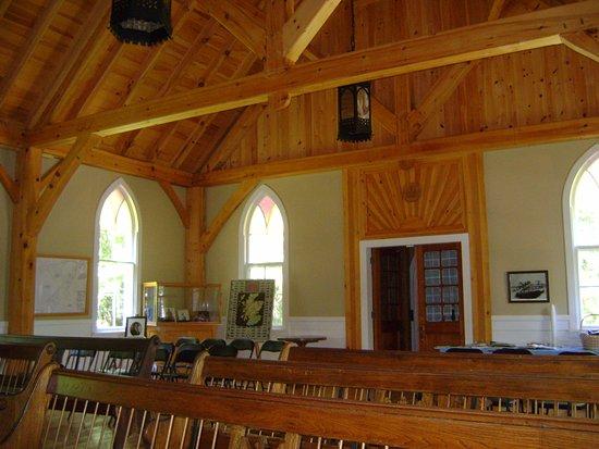 Miramichi, Canadá: Intérieur de l'église réplique de l'église St-James