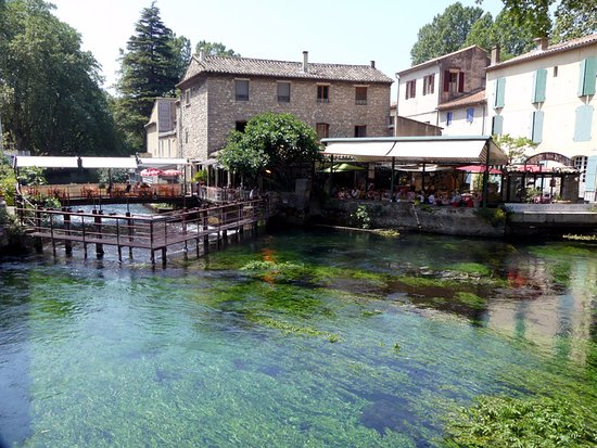 Fontaine de Vaucluse : the town