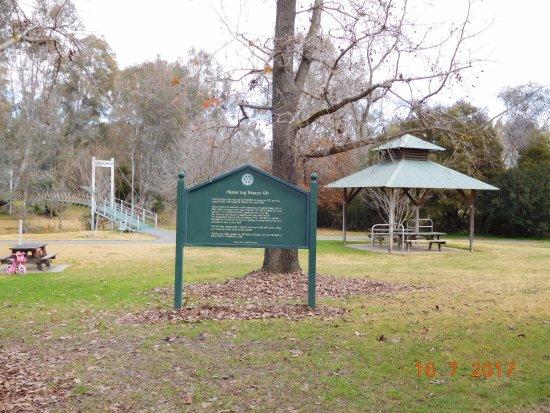 Myrtleford, Avustralya: Lovely picnic area alongside the Kiln