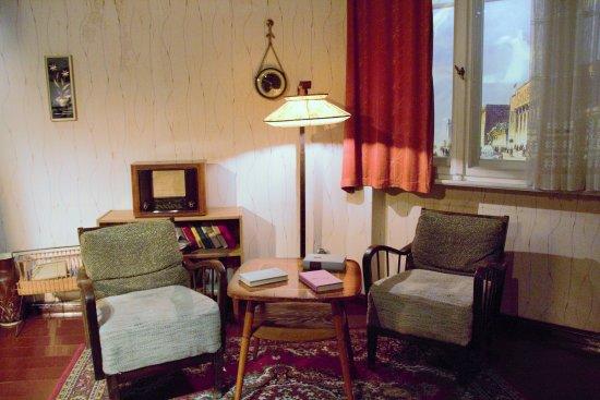 Ein Typisches Ost Wohnzimmer Bild Von The Story Of Berlin Berlin