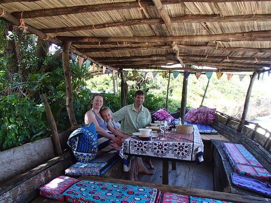 Kinondo Kwetu : Lunch in the boat
