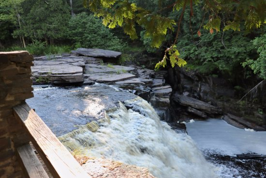 L'Anse, MI: Canyon Falls, appropriately named