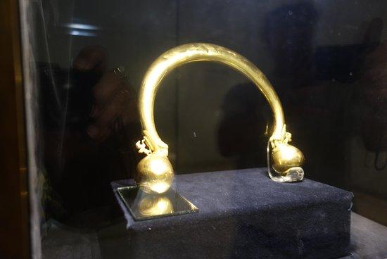 Chatillon-sur-Seine, France: Gold torque