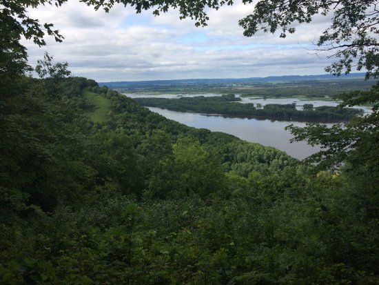 Great River Bluffs State Park: Mississippi River view