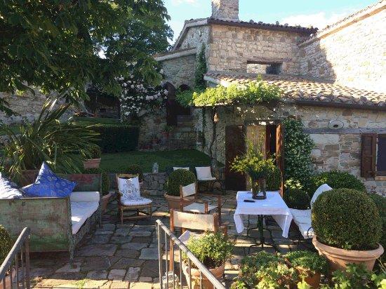 Sant'Agata Feltria, Italia: getlstd_property_photo