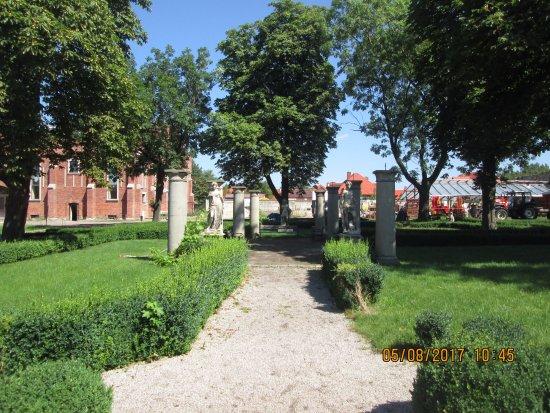 Castle Complex Tarnowice Stare