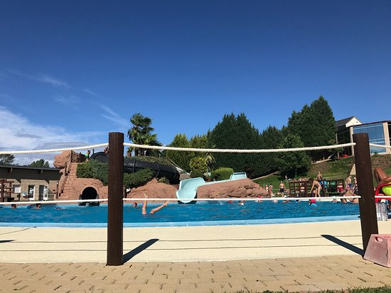 ‪Piscina Municipal Carracedelo‬