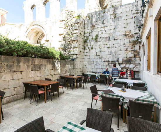Hotel Peristil, hoteles en Split