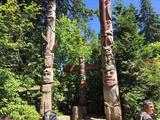 Vancouver Utara, Kanada: Totem poles.