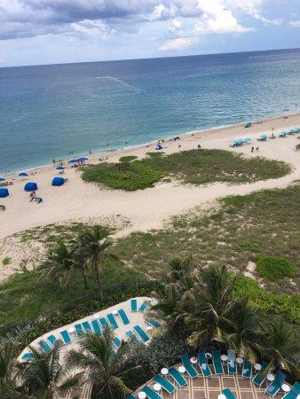 Residence Inn Fort Lauderdale Pompano Beach/Oceanfront: View from 8th floor room