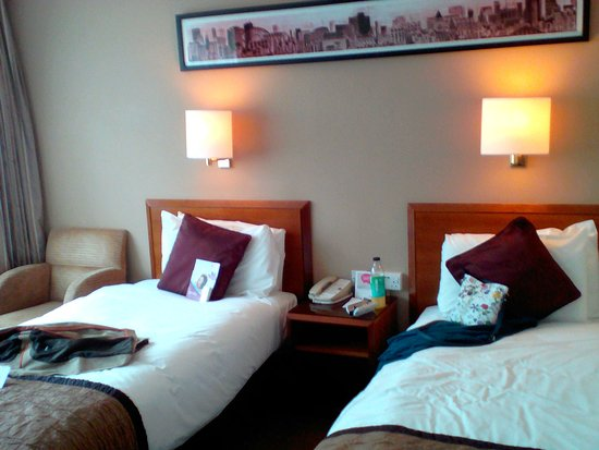 Crowne Plaza Manchester Airport: Bedroom