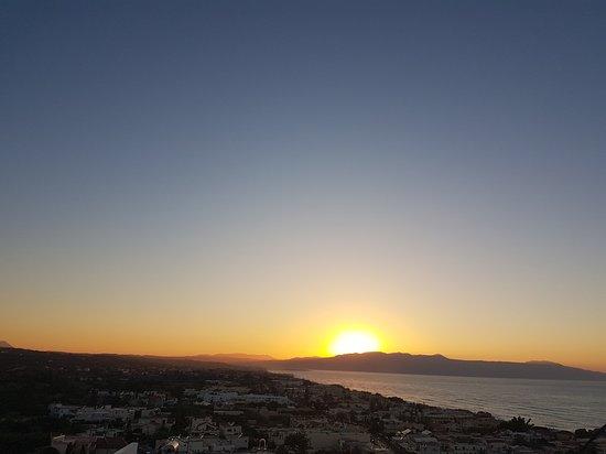 Sunset: Underbar utsikt, God mat