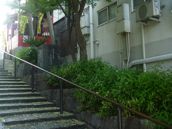 Sanjugo Naoki Monument