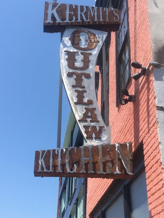 Kermit's Outlaw Kitchen: Great place to eat!