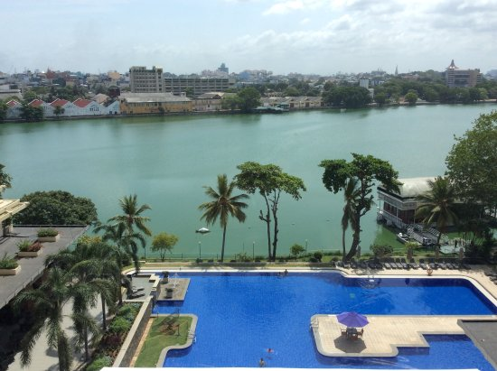 Cinnamon Lakeside Colombo: View from 674