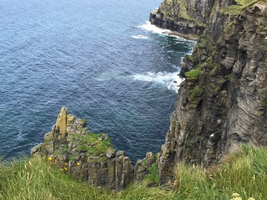 Clare Coastal Walk Project: Fabulous memories of family walk from Doolin to Liscannor along the Cliffs of Moher costal walk.