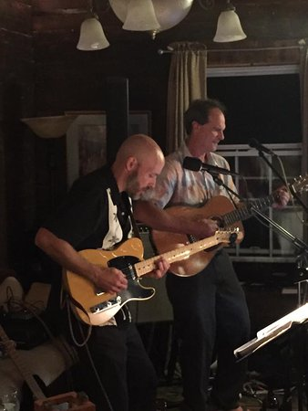 Saint Albans, VT: Live Music & Fine Dining in our Carriage Barn