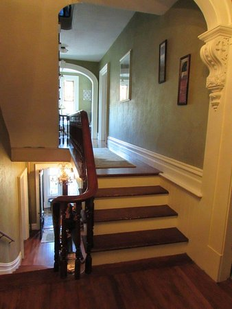 Saint Albans, VT: Magnificent mahogany curved staircase and landings